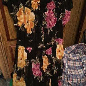 Dresses & Skirts - Ladies 1x dress